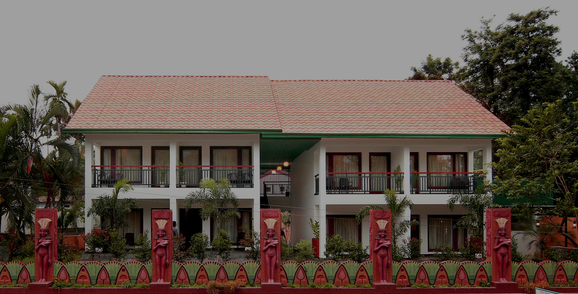 GEH Silverstorm Resort